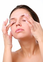 Eyelid Massage