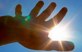 Light Sensitivity Photophobia Causes Symptoms And